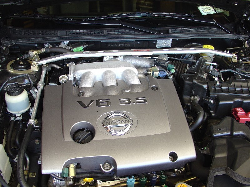 infiniti i35 engine diagram with Change The Spark Plugs On Your Nissan Maxima on 4722 2002 Pathfinder Oxygen Sensor furthermore Infiniti Q45 Wiring Harness further 3y44u Infiniti 99 I30 Will Crank Wont Start Just Changed furthermore  in addition 2006 Infiniti M35 Fuse Box Diagram.